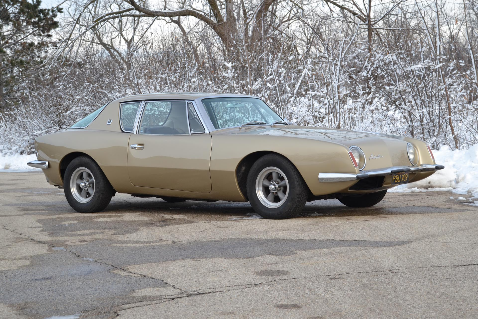 1963 Studebaker Avanti R2 Supercharged Coupe