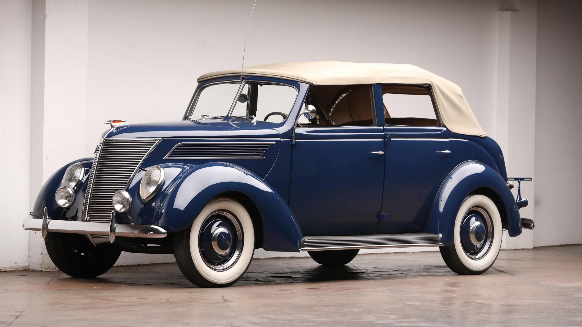 1937 Ford Deluxe All Weather Convertible