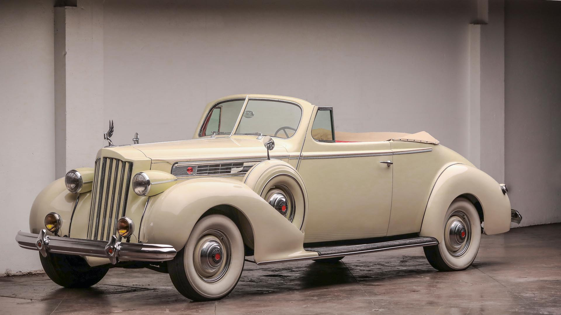 1939 Packard Super Eight Convertible Coupe