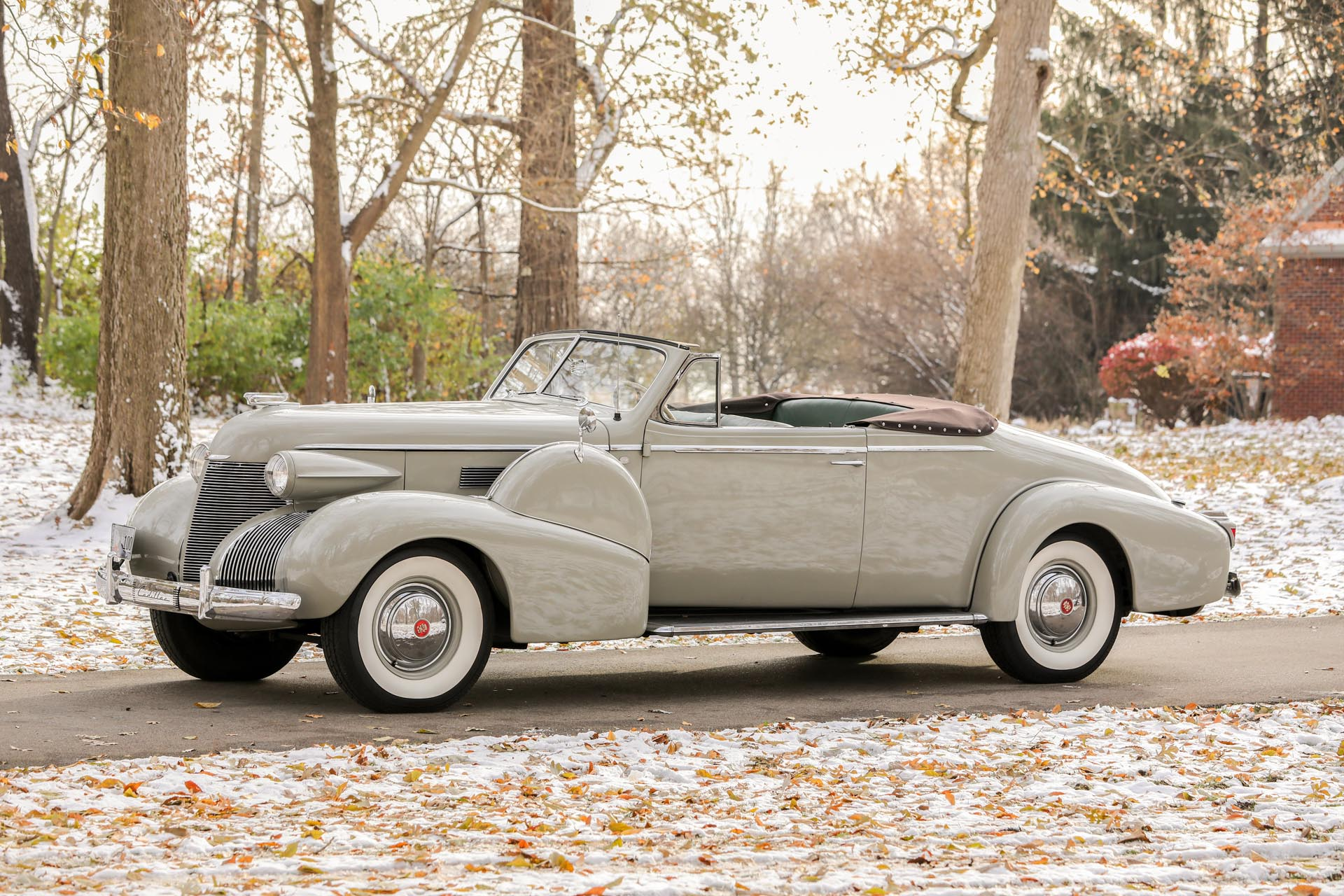 1939 Cadillac  Series 75 Fleetwood Convertible Coupe