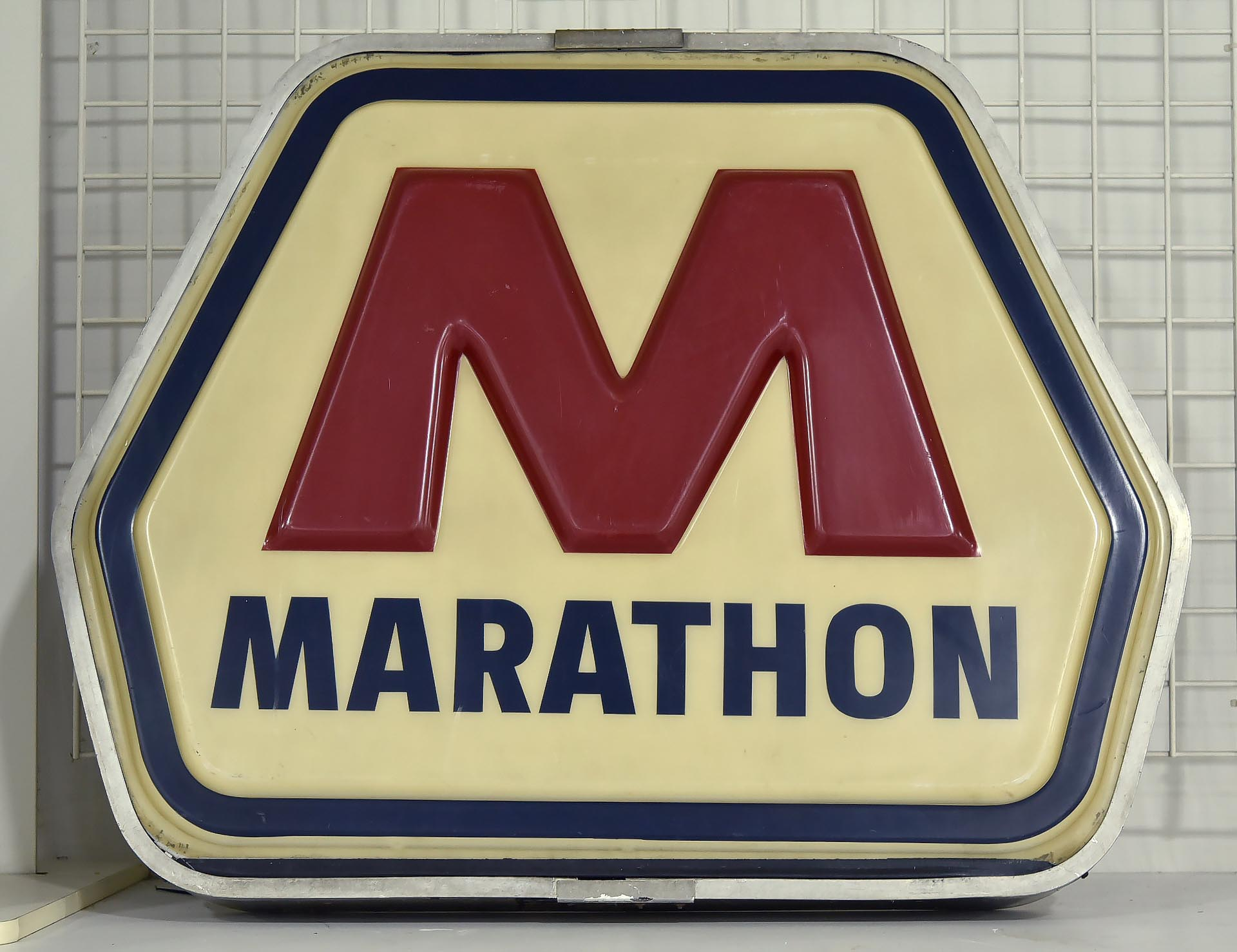 MARATHON OIL Embossed Plastic Lighted Can Sign