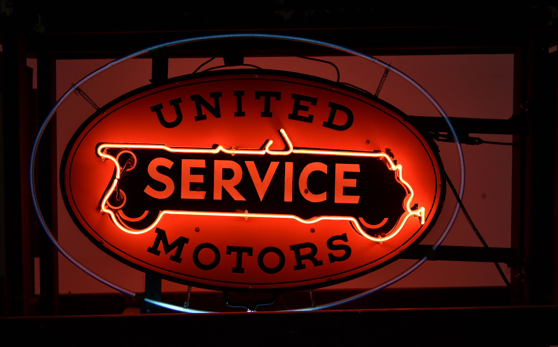 Impressive 1930s-40s United Service Motors DSP Porcelain Neon Can Sign