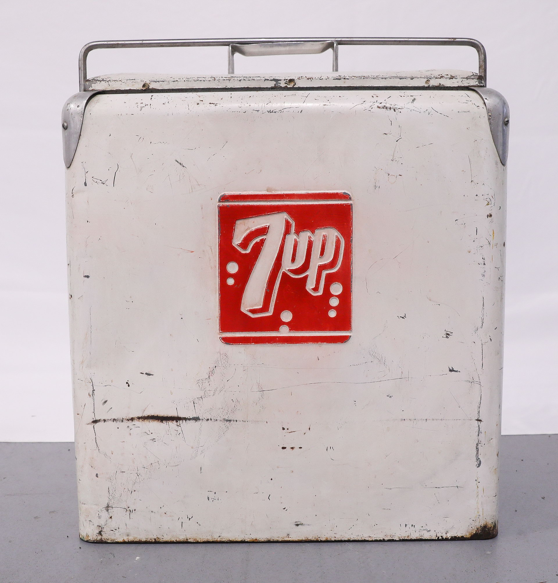 7-Up Embossed Metal Cooler Soda Chest Cooler with Tray