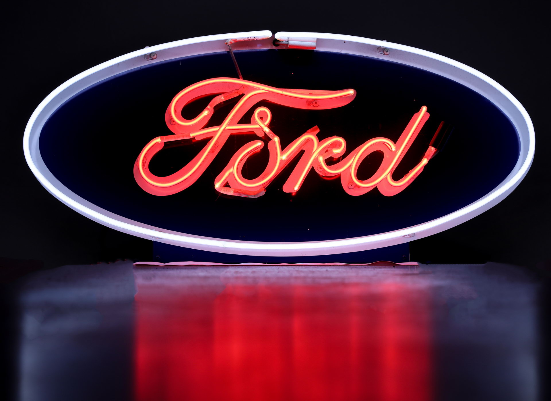 FORD Automobile Oval Neon Dealership Sign