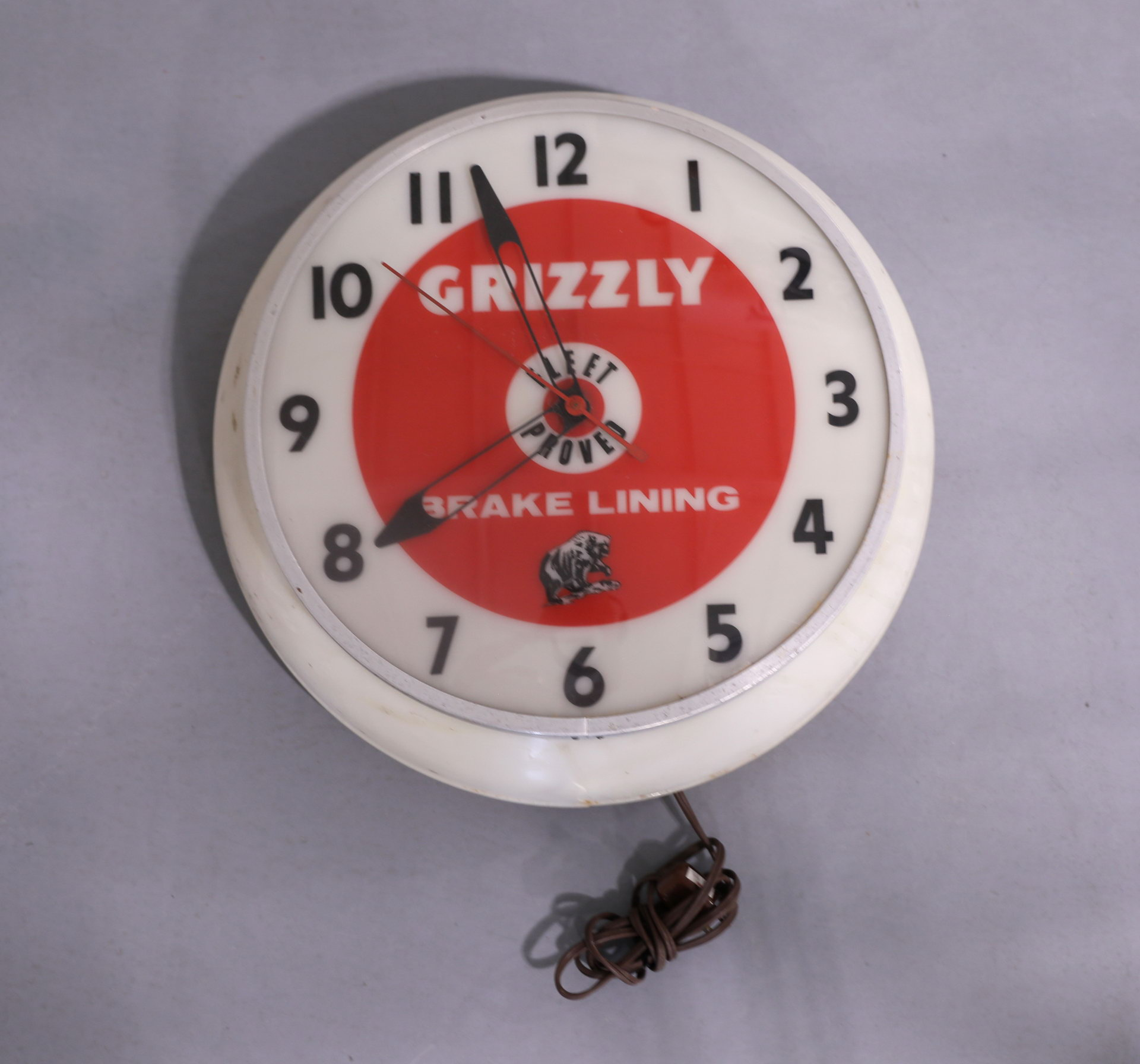 Grizzly Automobile Brakes Bubble Advertising Clock