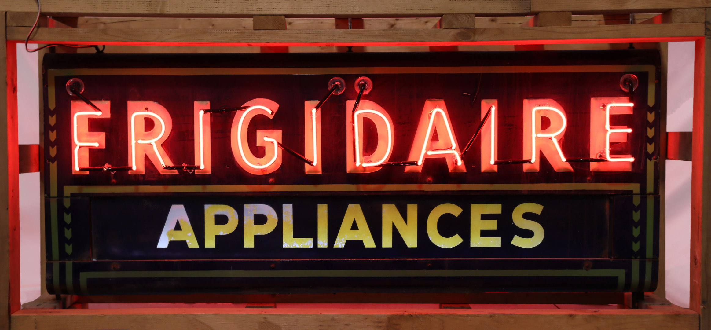 FRIGIDAIRE DSP Porcelain Neon Can Sign