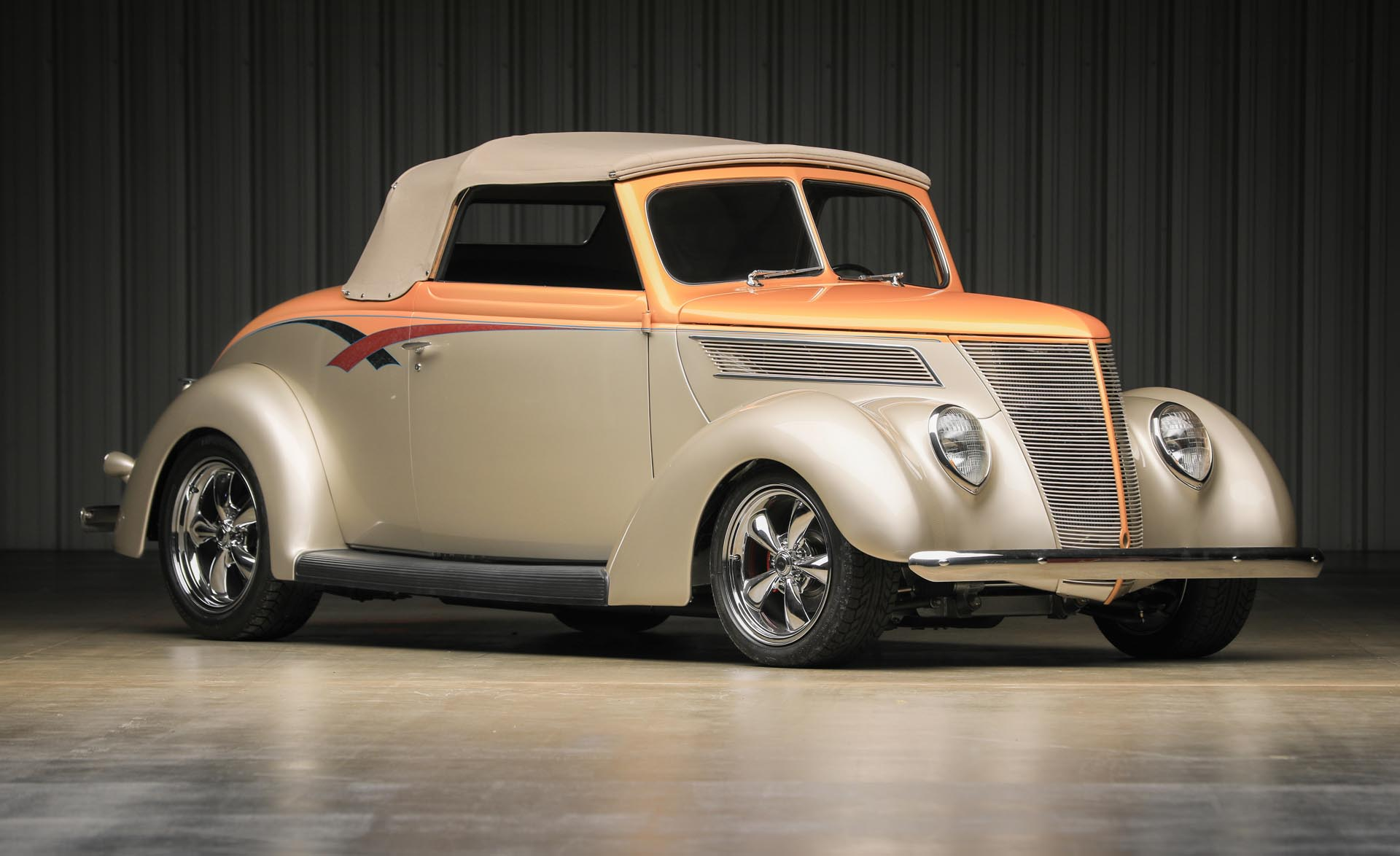 1937 Ford Custom Cabriolet