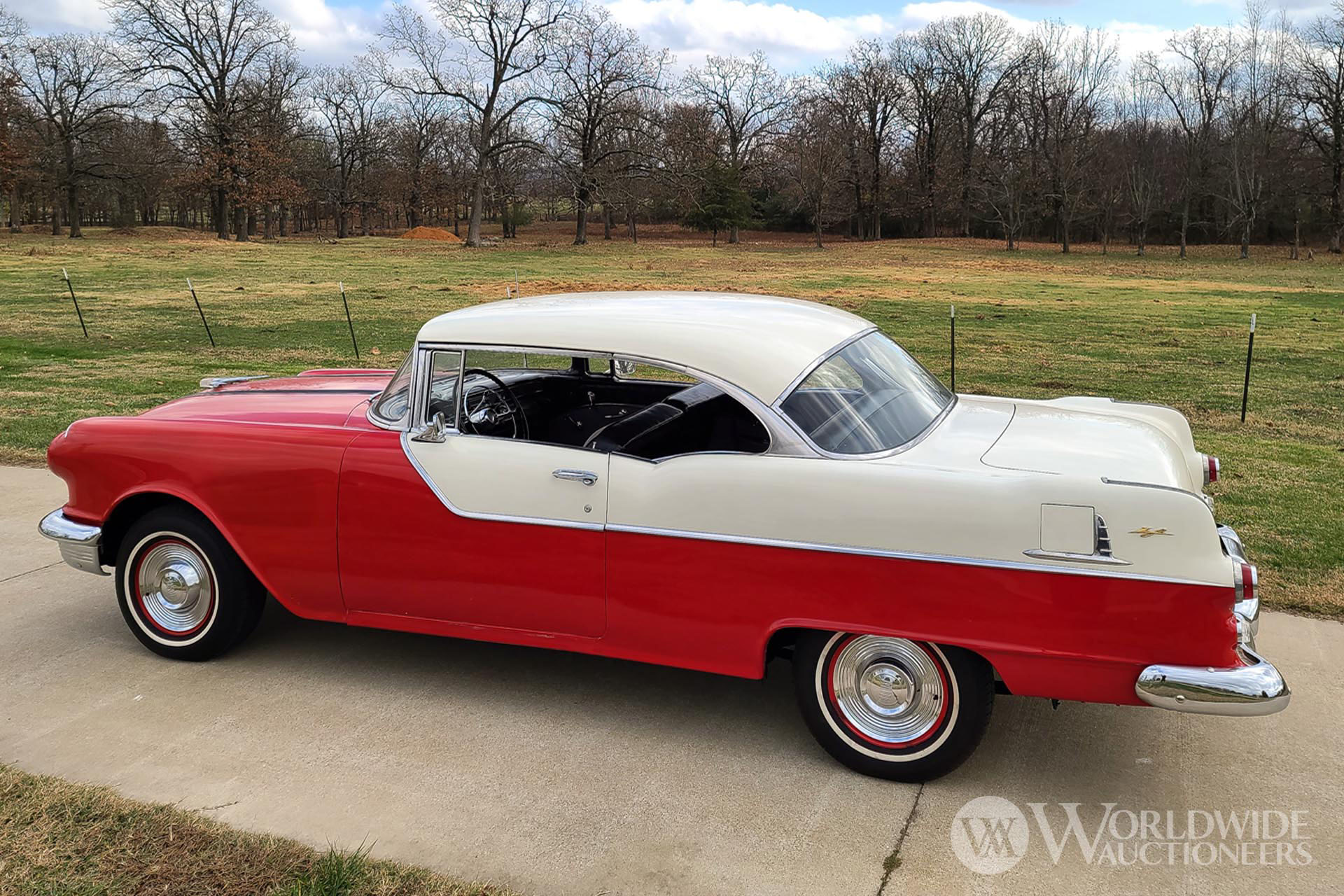 1955 Pontiac Chieftain Catalina Hardtop