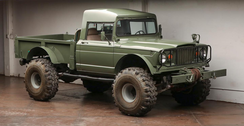 Silodrome: A Custom V8 Kaiser Jeep M715 Pickup Truck On 42″ Super Swamper Tires